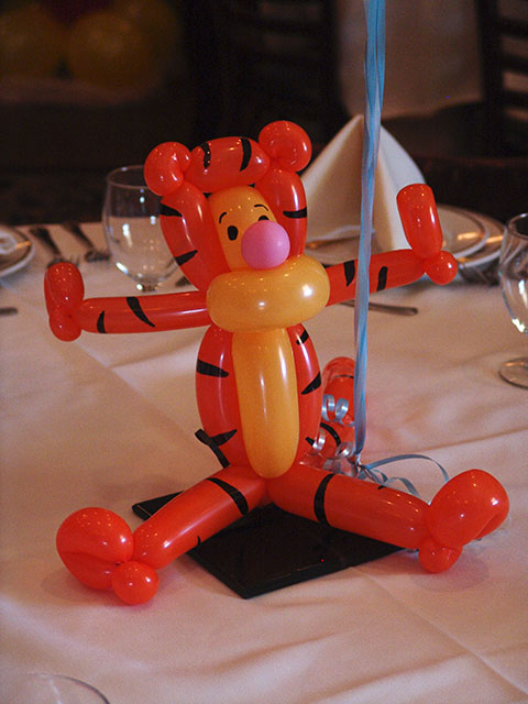 tigger balloon centerpiece