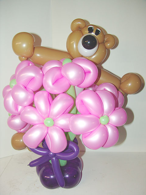 Valentines Day Balloon Bear and Balloon flowers