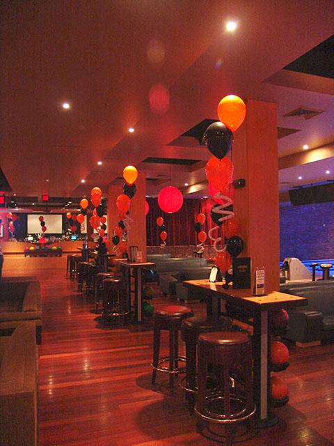 lucky strikes balloon decorations
