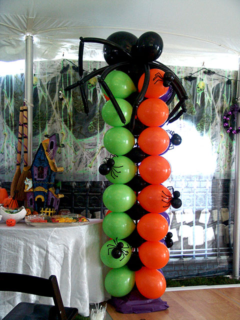 spooky spider balloon column denver